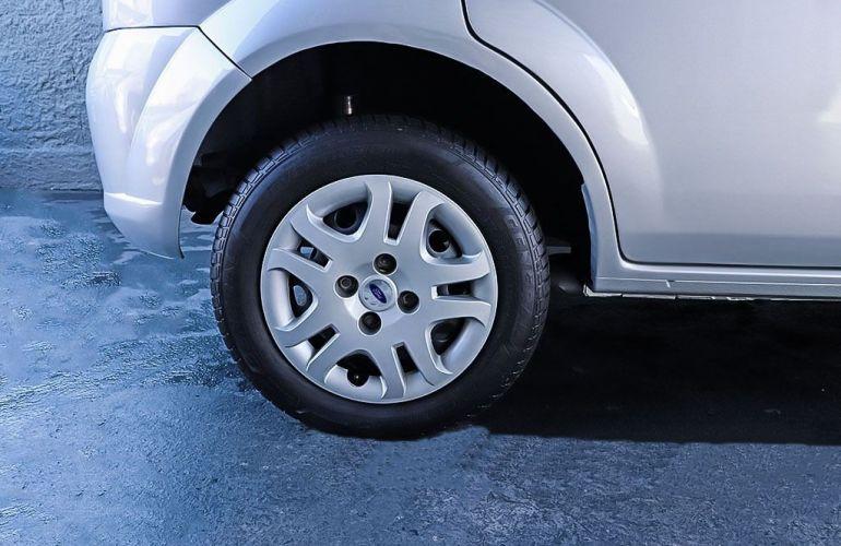 Ford Fiesta 1.0 Rocam SE 8v - Foto #8