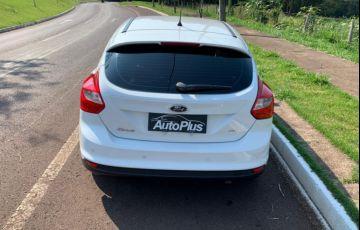 Ford Focus Hatch SE 1.6 16V TiVCT - Foto #6
