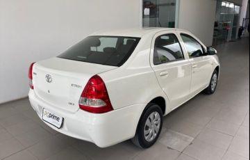 Toyota ETIOS 1.5 X Sedan 16V - Foto #3