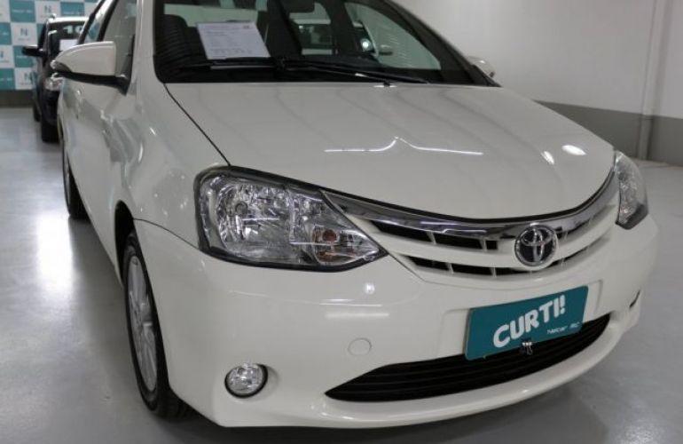 Toyota Etios Sedan XLS 1.5 16V Flex - Foto #2