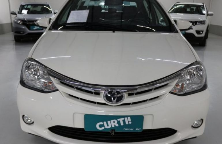 Toyota Etios Sedan XLS 1.5 16V Flex - Foto #3