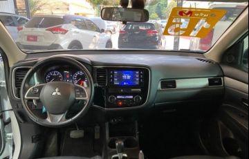 Mitsubishi Outlander 3.0 Gt 4x4 V6 24v - Foto #6