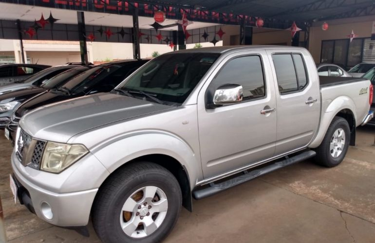 Nissan Frontier SEL 4x4 2.5 16V (cab. dupla) (aut) - Foto #5
