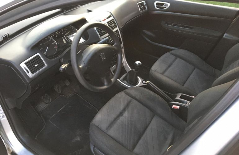 Peugeot 307 Hatch. Presence Pack 1.6 16V (flex) - Foto #2