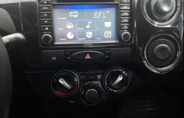 Toyota Etios Sedan Platinum 1.5 16V Flex - Foto #5