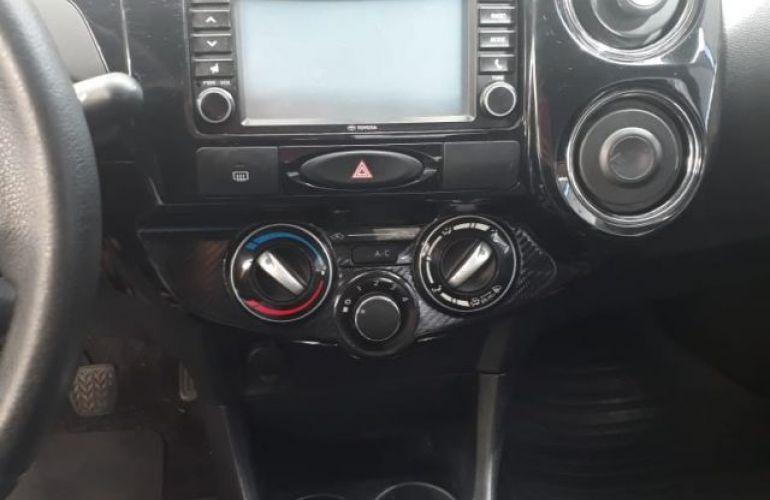 Toyota Etios Sedan Platinum 1.5 16V Flex - Foto #10