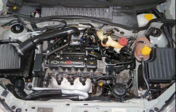 Chevrolet Corsa Sedan Premium 1.0 (Flex) - Foto #7