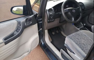 Chevrolet Zafira 2.0 8V - Foto #8