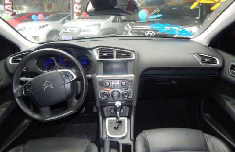 Citroën C4 Lounge Exclusive 1.6i THP 16V 165cv - Foto #3