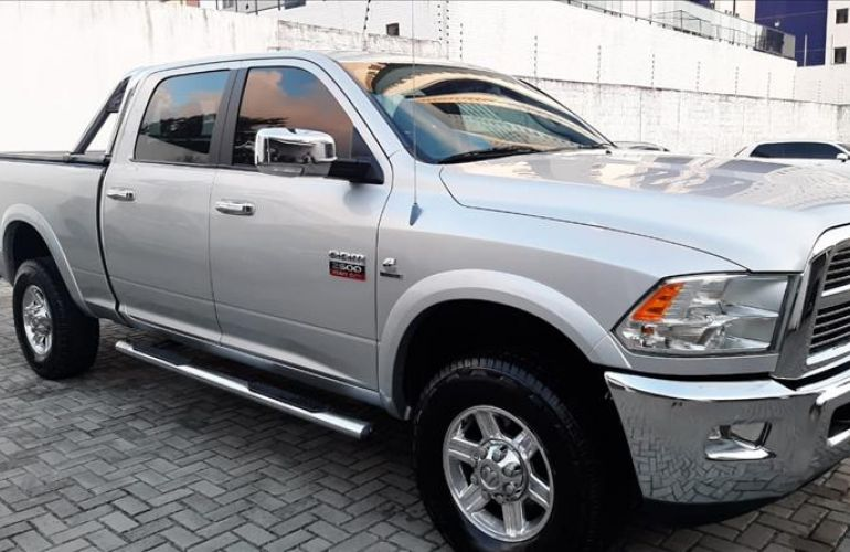 Dodge RAM 6.7 2500 Laramie 4X4 CD I6 Turbo - Foto #3