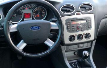 Ford Focus Hatch GLX 1.6 16V (Flex) - Foto #6