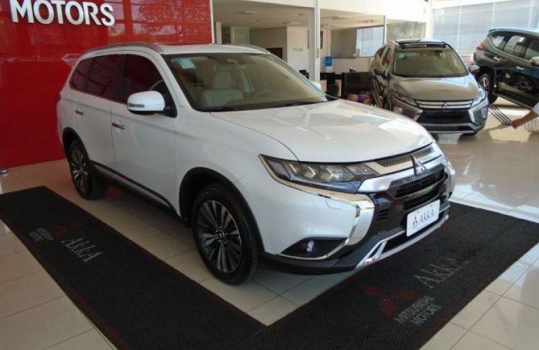 Mitsubishi Outlander HPE-S 3.0 AWD - Foto #3