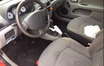 Renault Clio Hatch. Campus 1.0 16V (flex) 2p - Foto #2
