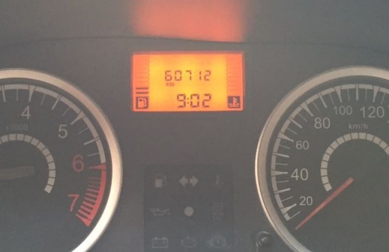 Renault Sandero Vibe 1.6 8V Hi-Torque - Foto #5