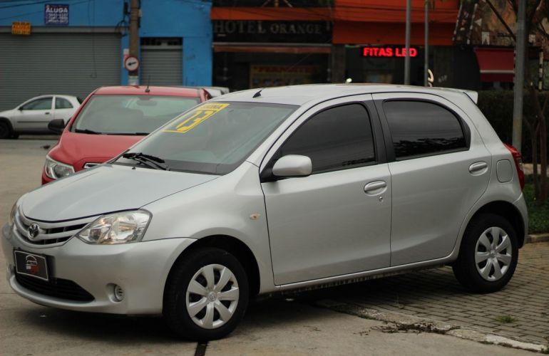 Toyota Etios 1.3 Xs 16v - Foto #2