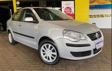 Volkswagen Polo Sedan 1.6 8V - Foto #1