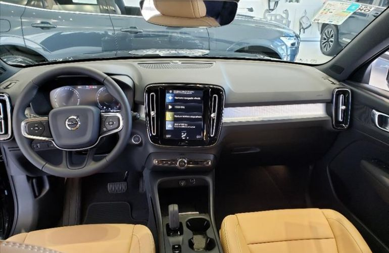 Volvo XC40 2.0 T4 Momentum AWD Geartronic - Foto #6