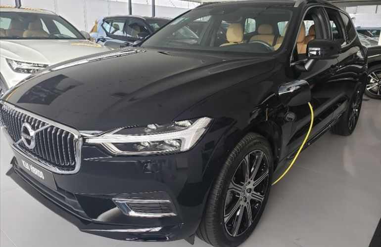Volvo XC60 2.0 T8 Hybrid Inscription AWD Geartronic - Foto #1