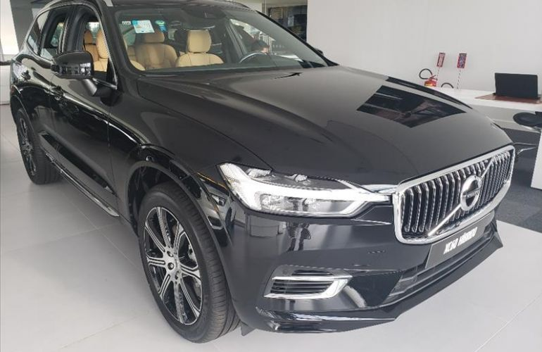 Volvo XC60 2.0 T8 Hybrid Inscription AWD Geartronic - Foto #3