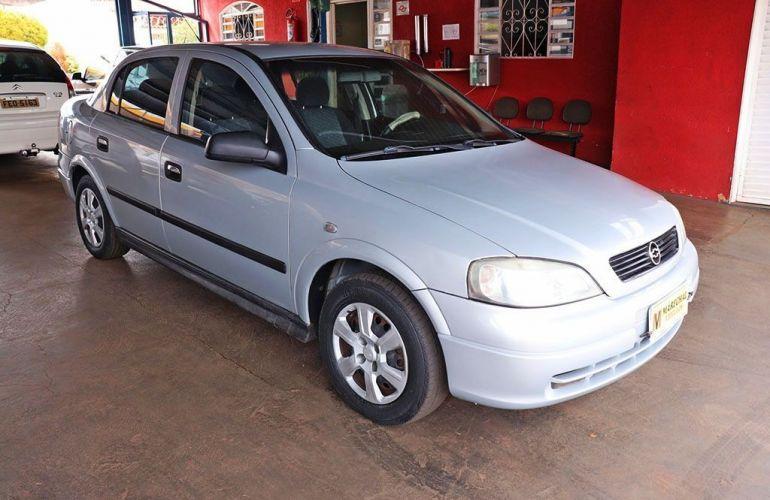 Chevrolet Astra 1.8 MPFi GL Sedan 8v - Foto #2