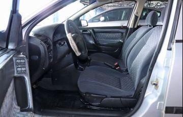 Chevrolet Astra 1.8 MPFi GL Sedan 8v - Foto #4