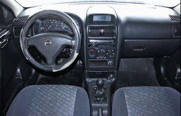 Chevrolet Astra 1.8 MPFi GL Sedan 8v - Foto #5