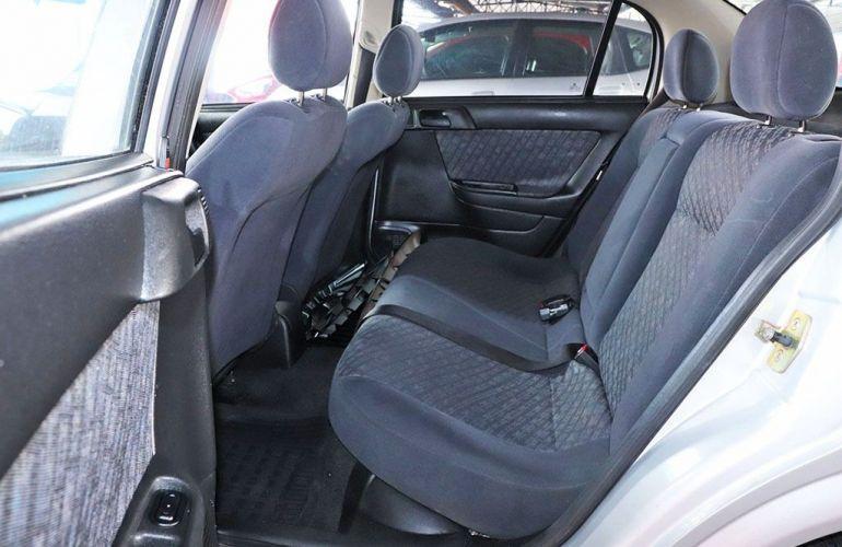 Chevrolet Astra 1.8 MPFi GL Sedan 8v - Foto #7