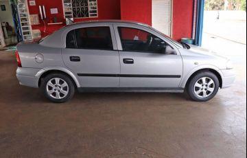 Chevrolet Astra 1.8 MPFi GL Sedan 8v - Foto #9