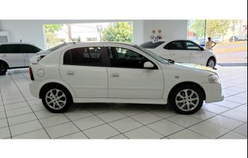 Chevrolet Astra Hatch Advantage 2.0 (Flex) - Foto #2