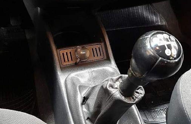 Chevrolet Corsa 1.8 MPFi Maxx Sedan 8v - Foto #5