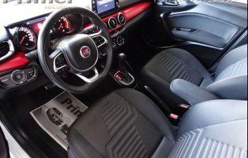 Fiat Argo HGT 1.8 Flex - Foto #6