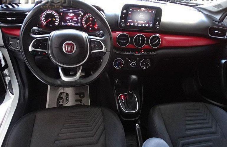 Fiat Argo HGT 1.8 Flex - Foto #7