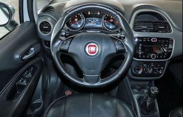 Fiat Punto 1.6 Essence 16v - Foto #5