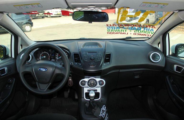 Ford Fiesta 1.5 SE Hatch 16v - Foto #6