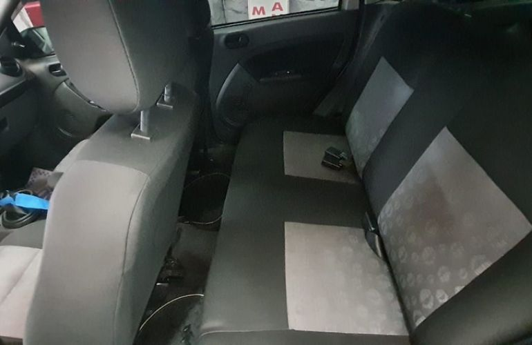 Ford Fiesta 1.0 Rocam Hatch 8v - Foto #10