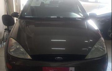 Ford Focus 1.8 16V - Foto #1