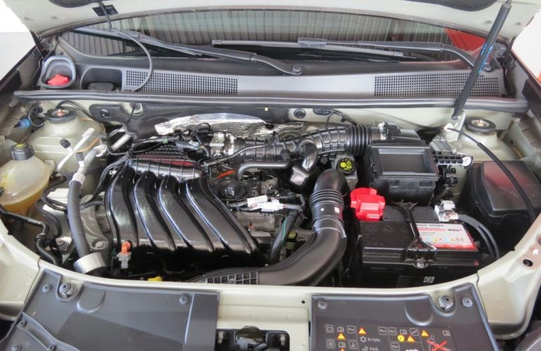 Renault Sandero Stepway Zen 1.6 - Foto #8