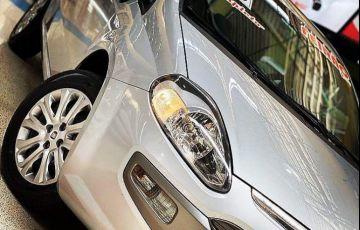 Fiat Punto 1.6 Essence 16v - Foto #3