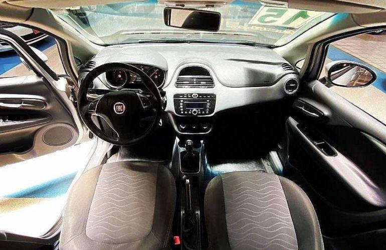 Fiat Punto 1.6 Essence 16v - Foto #7