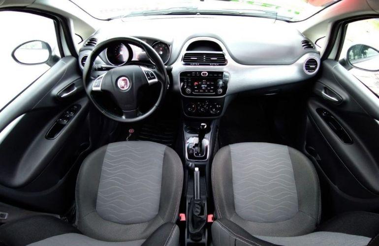 Fiat Punto 1.6 Essence 16v - Foto #6