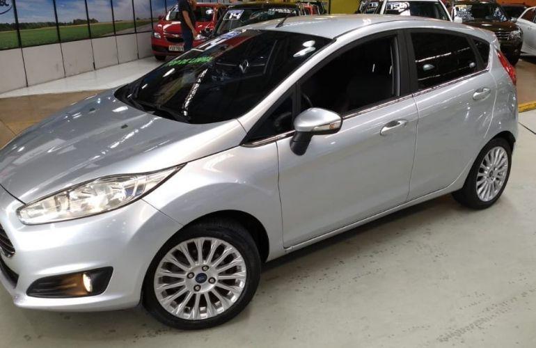 Ford Fiesta 1.6 Titanium Hatch 16v - Foto #5