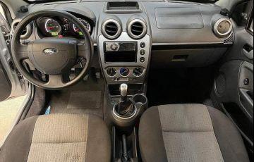 Ford Fiesta 1.6 SE Sedan 16v - Foto #6