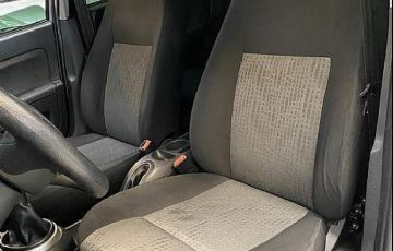 Ford Fiesta 1.6 SE Sedan 16v - Foto #7