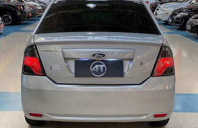 Ford Fiesta 1.6 SE Sedan 16v - Foto #10
