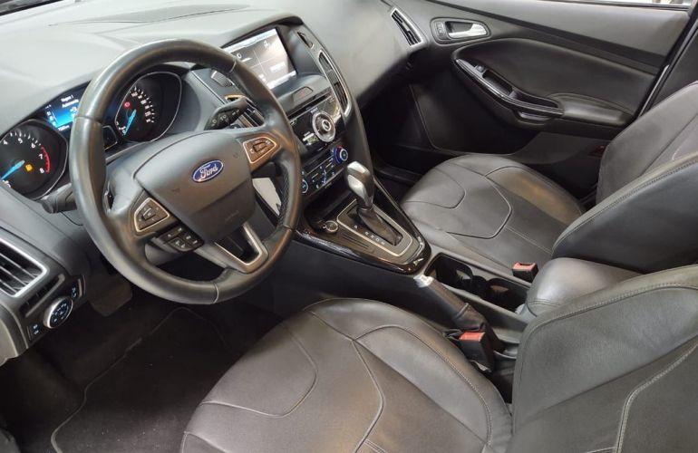 Ford Focus 2.0 Titanium Fastback 16v - Foto #8