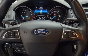 Ford Focus 2.0 Titanium Fastback 16v - Foto #10