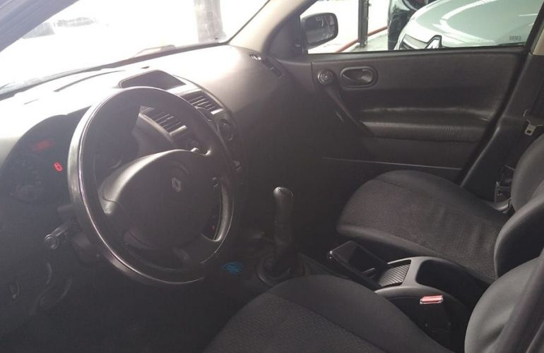 Renault Megane 1.6 Expression 16v - Foto #6