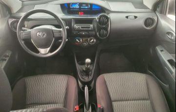 Toyota Etios 1.5 X Sedan 16v - Foto #4