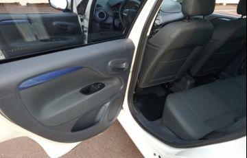 Fiat Punto Attractive 1.4 (Flex) - Foto #3