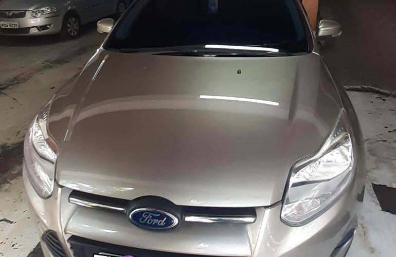 Ford Focus Sedan SE Plus 2.0 16V PowerShift (Aut) - Foto #2
